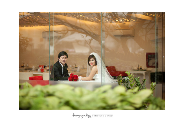 Chụp ảnh cưới ở quán cà phê